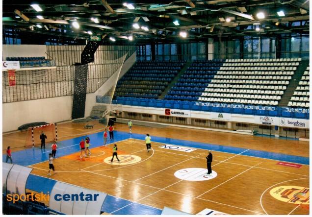Dvorana - trening zenskog rukometnog kluba